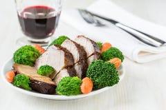 Eigengemaakt heet varkensvlees met groenten Stock Afbeelding