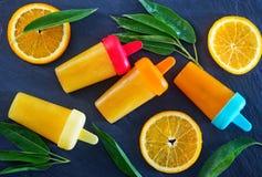 Eigengemaakt oranje roomijs Stock Fotografie
