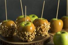 Eigengemaakt Organisch Suikergoed Taffy Apples Stock Afbeelding