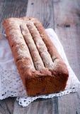 Eigengemaakt roggebrood van brood Stock Afbeeldingen