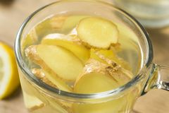 Eigengemaakt Vers Ginger Tea stock afbeelding