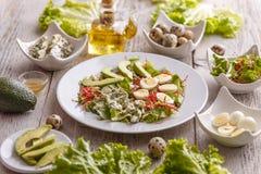 Eigengemaakte avocadosalade Stock Foto's
