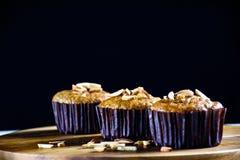 Eigengemaakte banaan cupcakes Stock Foto's