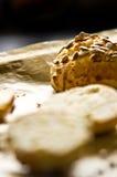 Eigengemaakte broodjes met zonnebloemzaden Stock Fotografie