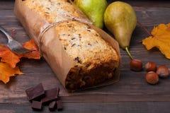 Eigengemaakte cake met peren en chocolade Royalty-vrije Stock Afbeelding
