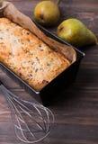 Eigengemaakte cake met peren en chocolade Royalty-vrije Stock Foto's