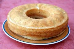 Eigengemaakte cake in plaat Stock Fotografie