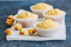 Eigengemaakte cornbreadmuffins royalty-vrije stock foto