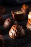 Eigengemaakte Donkere Chocoladetruffels Stock Afbeeldingen