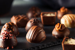 Eigengemaakte Donkere Chocoladetruffels Royalty-vrije Stock Foto's