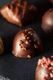 Eigengemaakte Donkere Chocoladetruffels Stock Afbeelding