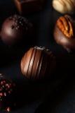 Eigengemaakte Donkere Chocoladetruffels Stock Foto