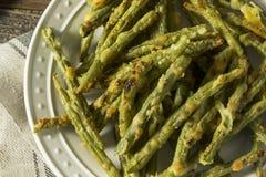 Eigengemaakte Gebakken Parmezaanse kaas Groen Bean Fries stock foto