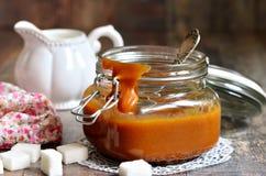 Eigengemaakte gesmolten karamel Royalty-vrije Stock Afbeeldingen
