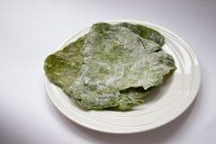 Eigengemaakte groene spinazie flatbread Stock Foto