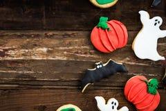 Eigengemaakte heerlijke peperkoekkoekjes voor Halloween Royalty-vrije Stock Foto