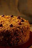 Eigengemaakte honingscake met noten en kruiden Stock Fotografie