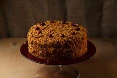 Eigengemaakte honingscake met noten en kruiden Royalty-vrije Stock Fotografie
