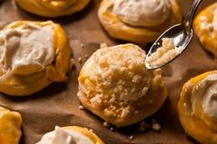 Eigengemaakte kaasbroodjes Stock Afbeeldingen