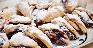 Eigengemaakte Kleine vanillecakes met pruimjam Royalty-vrije Stock Afbeeldingen