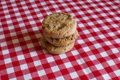 Eigengemaakte koekjes met chocolade Stock Afbeeldingen