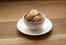 Eigengemaakte koekjes met sesam zaad-2 stock fotografie