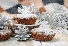 Eigengemaakte muffins voor Kerstmis Stock Fotografie