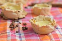 Eigengemaakte Pasteis DE nata, het dessert van Portugal Royalty-vrije Stock Afbeelding