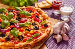 Eigengemaakte pizza Royalty-vrije Stock Foto's