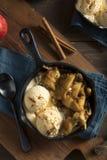 Eigengemaakte Sauteed-Kaneel Sugar Apples Royalty-vrije Stock Afbeeldingen