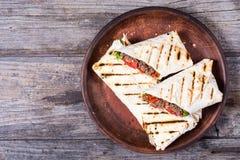 Eigengemaakte smakelijke burrito Royalty-vrije Stock Fotografie