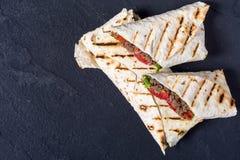 Eigengemaakte smakelijke burrito Royalty-vrije Stock Foto's