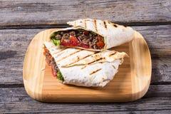 Eigengemaakte smakelijke burrito Royalty-vrije Stock Afbeeldingen