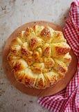 Eigengemaakte traditionele Balkan gebakjeschotel royalty-vrije stock afbeeldingen