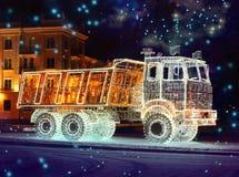 Eigenschafts-leuchtender LKW stockbild