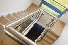 Eigentijdse trap Stock Foto's