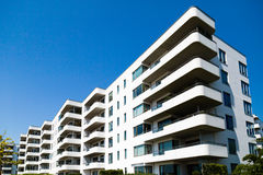 Eigentijdse woningbouw stock fotografie