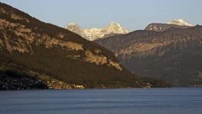 eiger jungfrau jeziorny moench zmierzchu thun Fotografia Stock