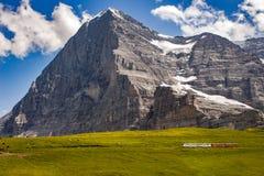 Eiger północna twarz z pociągiem Zdjęcia Royalty Free