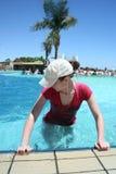 Eignung im Pool Lizenzfreie Stockbilder