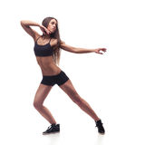 Eignungsfrau, die Tanzklasseaerobic ausübt Stockfotografie