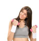 Eignungsfrau mit perfektem athletischem Körper- und ABStraining Stockfoto