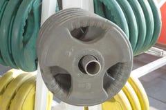 Eignungsturnhallenausrüstung Stockfoto