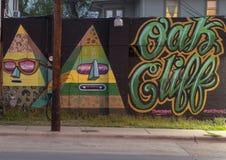Eiken Klippenmuurschildering door sourgrapes langs Davis Avenue, Bischop Arts District, Dallas royalty-vrije stock afbeelding