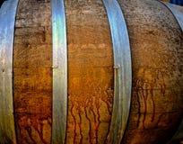 Eiken vat voor vergistend bier stock afbeeldingen
