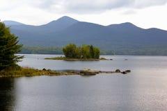 Eiland in Chittenden-Reservoir stock fotografie