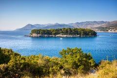 Eiland Daksa op Adriatische Overzees in Kroatië stock afbeeldingen