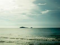 Eiland en zonlicht Stock Afbeelding