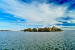 Eiland Fraueninsel op het meer Chiemsee Stock Afbeelding