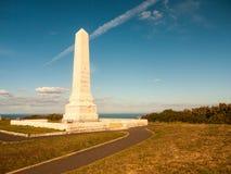 eiland het in oorlogstijd van de standbeeldcenotaaf van het blauw van de het zuidenkust van Portland Dorset royalty-vrije stock fotografie